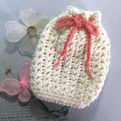 White Crocheted Soap Saver / Body Washer with Coral Pink Trim