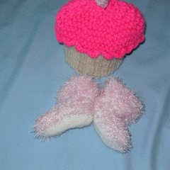 New Born Cup Cake Beanie and Booties