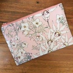 Pouch Flat - Flannel Flowers on Pink