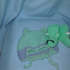 Baby Hat and Mouse Booties New Born