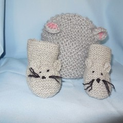 Mouse Beanie and Mouse Booties New Born