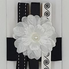 Black & White, Flower peg magnet