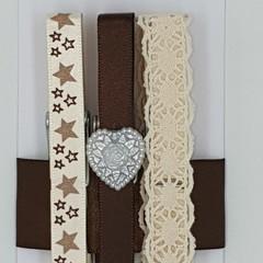 Antique cream & brown peg magnet