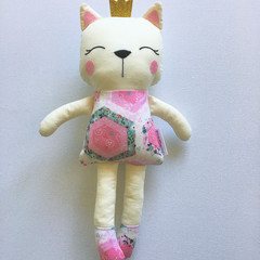 Kitty Cat Doll Pink Hexagon Pattern with Gold Glitter Crown