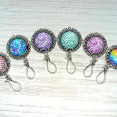 Portuguese Magnetic Knitting Pin : Mermaid l ID Badge Holder