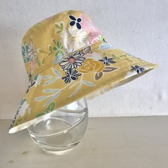 Girls summer hat in yellow floral fabric