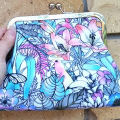 Rainforest clutch