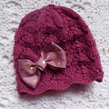 Baby girl's lacy beanie with hairclip bow; NB - 3 months;  5-ply wool