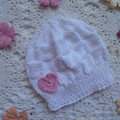 Baby beanie with block pattern & crochet heart, fit NB - 4 months; 4-ply cotton