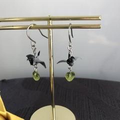 ORIGAMI Crane Earrings (Black/Green heart)