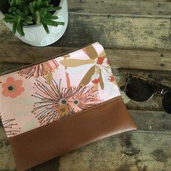 Flat Clutch - Pink Gum Blossom