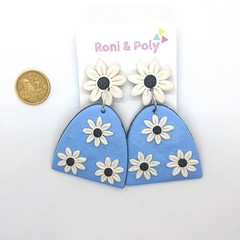 Pocket full of posies Daisy statement dangles