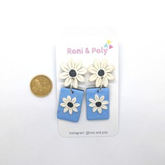 Pocket full of posies Daisy rectangle statement dangles