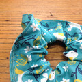 scrunchie - cockatoo turquoise / Australian birds yellow white / organic cotton