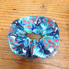 scrunchie - Australian magpie in turquoise / Australian birds / red white blue
