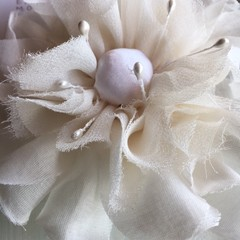 SILK RUFFLE FLOWER CLIP- WHITE