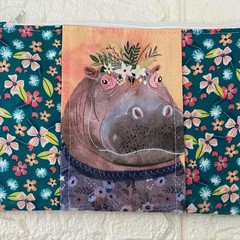 SMALL POUCH - FLORAL PETS - JUNGLE MANIA Hippo, Lion, Toucan, Giraffe