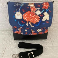 MEDIUM MESSENGER BAG - ANIMAL Lemur, Cat, Retro Rabbit, Flamingo, Spring Rabbit