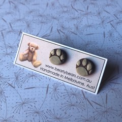 Paw print tiny round stud earrings