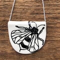 Bee Pendent