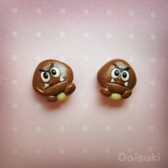 Tiny Goomba stud earrings - Super Mario tribute - Handmade