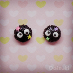 Soot Sprites stud earrings - Susuwatari - Studio Ghibli Spirited Away / Totoro