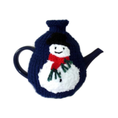 Hand knitted 3-4 cup Christmas snowman tea cosy.