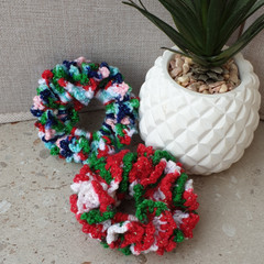 Crochet scrunchies - Full Size -  Christmas Time