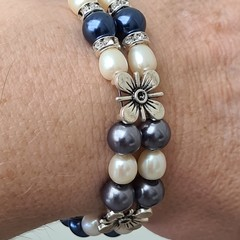 Blue, cream and silver pearl flower bracelet