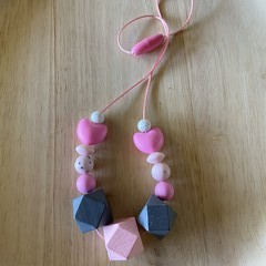 Silicone and wood bead kids necklace