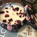 Soy Candle Tin - Rose Victorian with organic rose petals