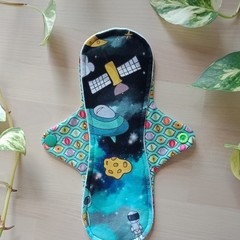 "9"" moderate exposed core cloth pad (MishMash)"
