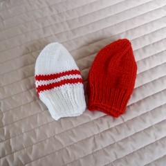 *Special * 2 beanies: (0-6mths): Washable, unisex, soft, winter