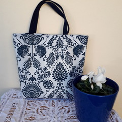 NAVY AND WHITE  REVERSIBLE TOTE