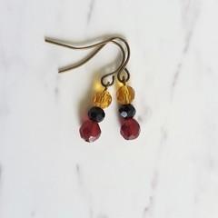 Short glass bead drop earrings , Brown Black Red mix , Vintage Boho Artsy Modern