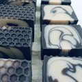 Manuka Honey & Goats' Milk Soap