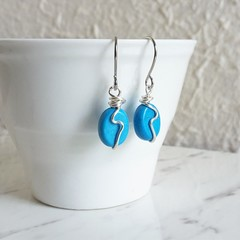 Minimal small Auqa blue oval stone silver wave wire work short drop earrings
