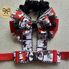 Girls / baby / toddler super cute Minnie Mouse inspired hair bow access gift set