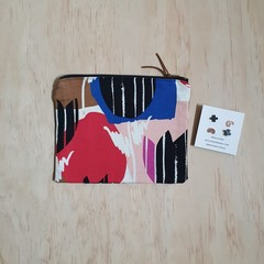 Gift pack special: OUMU zipper pouch and a pair of earrings