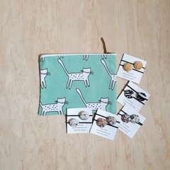 Gift pack special: OUMU zipper pouch and hair ties