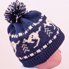 Child's navy beanie with kangaroo fairisle