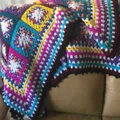 Square multicolour rug