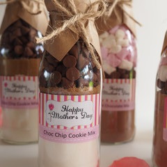 MOTHER'S DAY Choc Chip Cookie Mix in a bottle. Makes 6 or 12 delicious cookies.