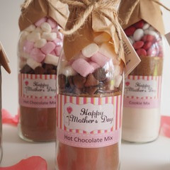 MOTHER'S DAY HOT CHOCOLATE Mix in a bottle. Makes 2 or 4 decadent mugs