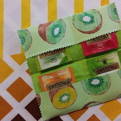 Handy Tea Bag Wallet- Kiwi fruit print on green