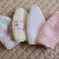 *Special * 4 beanies: (0-6mths): Washable, girl, soft, winter
