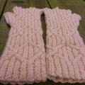Fingerless mitts adult small/medium wool pink