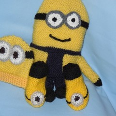 Soft Toy/Minion +Beanie+Booties