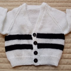 Size 6-12 months: unisex cardigan in black and white, easy care, washable