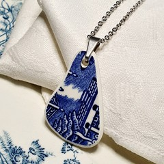 Churchill  Blue Willow pendant